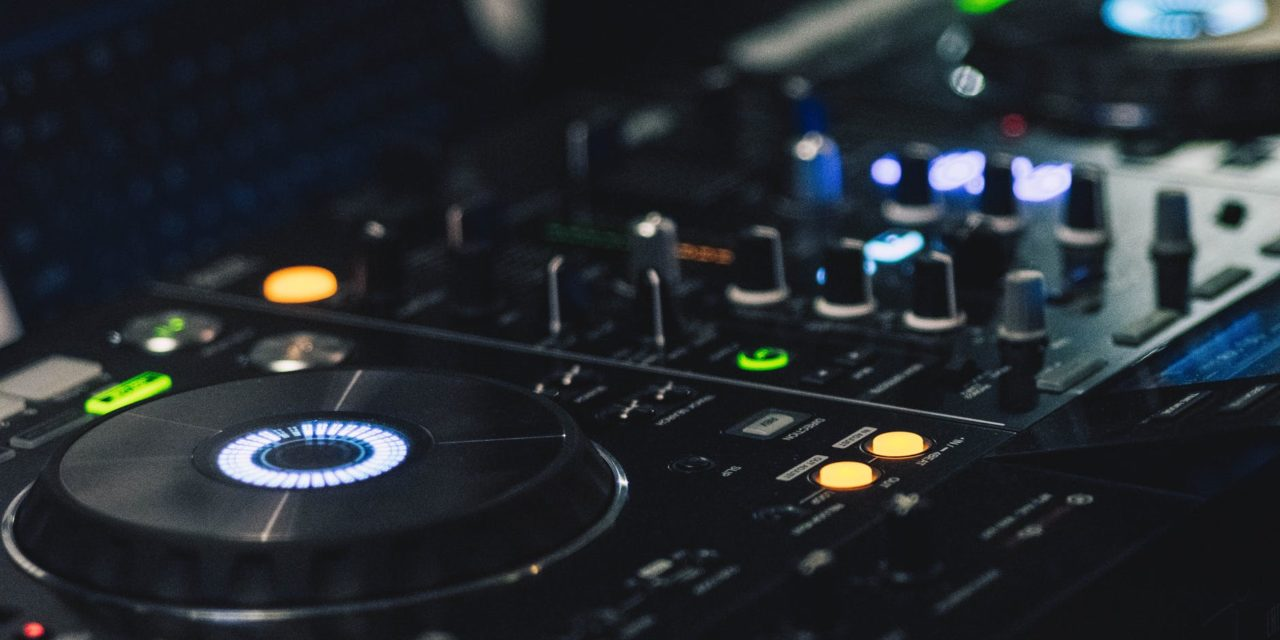 Top 5 2-Channel DJ Controllers in 2018