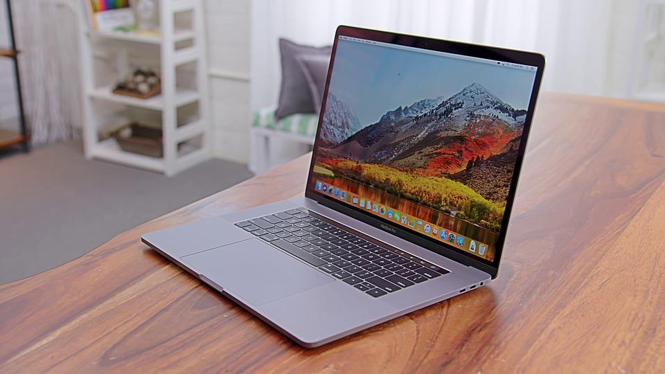 Top 5 Must Have 2018 MacBook Pro Accessories